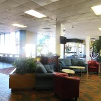 Hotel Pictures: Town and Country Motor Hotel, Calgary