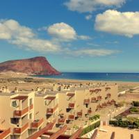 Hotel Pictures: Apartment Vista Roja, La Mareta