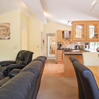 Longnor Wood Lodge 2