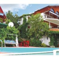 Apartment Csopak 40 with Outdoor Swimmingpool