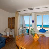 Two-Bedroom Apartment with Sea View (6 Adults)