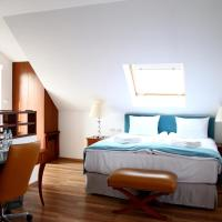 Double Room with King Size Bed, Sofa Bed and Terrace