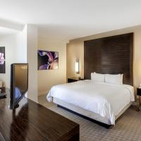 King Junior Suite with Garden and City View