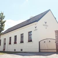 Hotel Pictures: HARDY - Cognac & Pension, Valtice