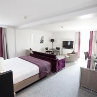 Junior Hilton Suite with Lounge Access