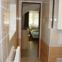 Double Room with Private Bathroom D1