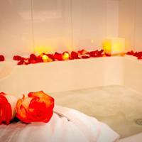 Apartment with Bath Tub