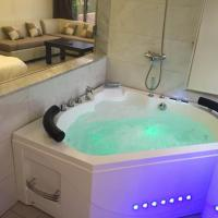 Suite with Hot Tub
