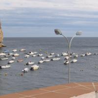 Hotel Pictures: Casa a la orilla del mar, Calahonda