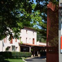 Hotel Pictures: Le Clos St Eloi - Relais du Silence, Thiers