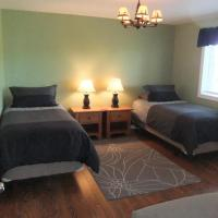 Hotel Pictures: Serengeti Bed & Breakfast, Port Hardy