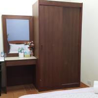 Basic Room with Shared Bathroom ( No Window )