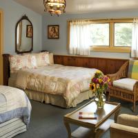 Standard Room with Two Beds and Garden View