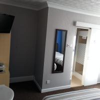 Family Room - En Suite