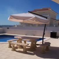 Villa Quesada local hotels