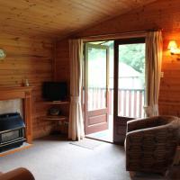 Log Cabin (6 Adults)