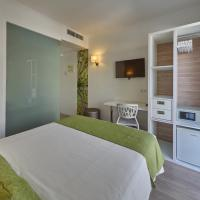 Hotel Pictures: BQ Amfora Beach Adults Only Hotel, Can Pastilla