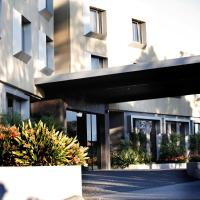 Hotel Pictures: Golden Pebble Hotel, Wantirna