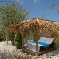 Hotel Pictures: Crown Villas Ocean View, Hato