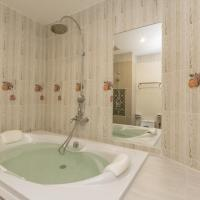 Deluxe Double Room or Twin Room With Bathtub