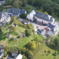 Hotel Pictures: Schlosshotel Burghaus Kronenburg, Kronenburg