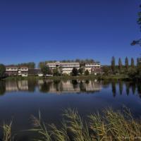 Hotel Pictures: Hotel La Mezelle, Bourbonne-les-Bains