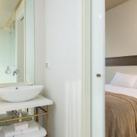 Deluxe Double Room with Boulevard View