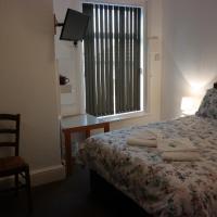 Ensuite Quadruple Room