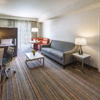 One-Bedroom King Suite with Twin Bunk Bed