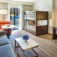 One-Bedroom Two Queen Suite with Twin Bunk Beds and Balcony - Waterpark View