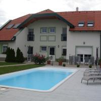 Hotel Pictures: Urbarialhof, Illmitz