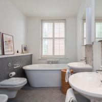 Three-Bedroom Apartment - Cheyne Court III