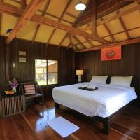 Deluxe Lodge