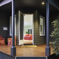 Hotel Pictures: The Cottage at Bolobek, Macedon
