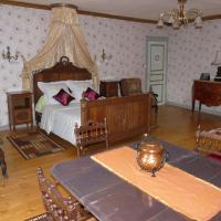 Hotel Pictures: Chambres Du Pavo Real, Crouay