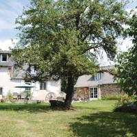 Hotel Pictures: Holiday home Peyrignac 86 with Outdoor Swimmingpool, Peyrignac