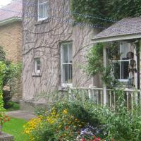 Hotel Pictures: Richmond Manor Bed & Breakfast, Barrie