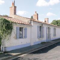 Hotel Pictures: Holiday Home St.Benoist Sur Mer Rue Chlorin Le Boeuf, La Jonchère