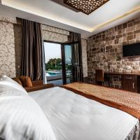 Deluxe Room with Pool View and Lake  View