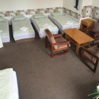 Large Family Room with Shared Bathroom (11 Adults)