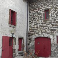 Hotel Pictures: Le Gîte De La Savonnerie, Polignac