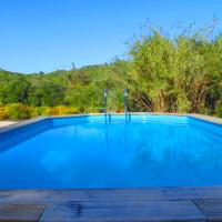 Hotel Pictures: Le Mas De Provence, L'Avelan