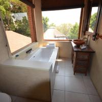 Luxury King Suite with Bath