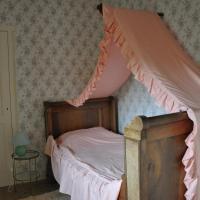 Hotel Pictures: Château De Lanquais, Lanquais