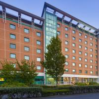 Hotel Pictures: DoubleTree by Hilton Woking, Woking