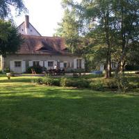 Hotel Pictures: Au Moulin de Pasnel, Monteaux
