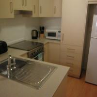 Hotel Pictures: Marco Polo Apartments, Adelaide