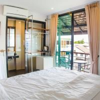 Deluxe King Room Balcony with City View