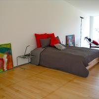 Hotel Pictures: Artist's Loft zur Maloya, Ormalingen