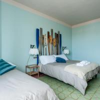 Double or Twin Room with Mountain View and Shared Bathroom